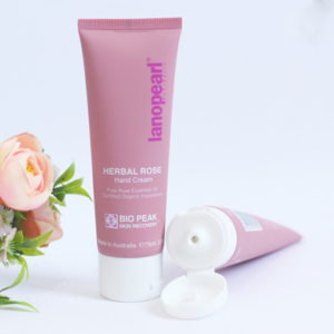 Kem dưỡng da tay Lanopearl Herbal Rose Hand Cream 100ml.png