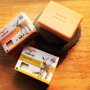 Xà bông dưỡng ẩm sữa dê Rebirth Goat Milk Moisturising Soap 100g